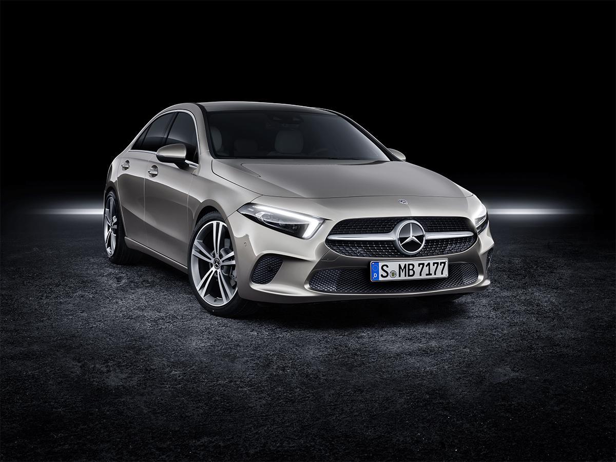 Компактный способ попасть в мир премиум-седанов Mercedes-Benz