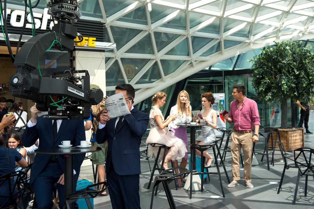 В Баку стартовали съемки новой романтической комедии под рабочим названием «Улетная прогулка»
