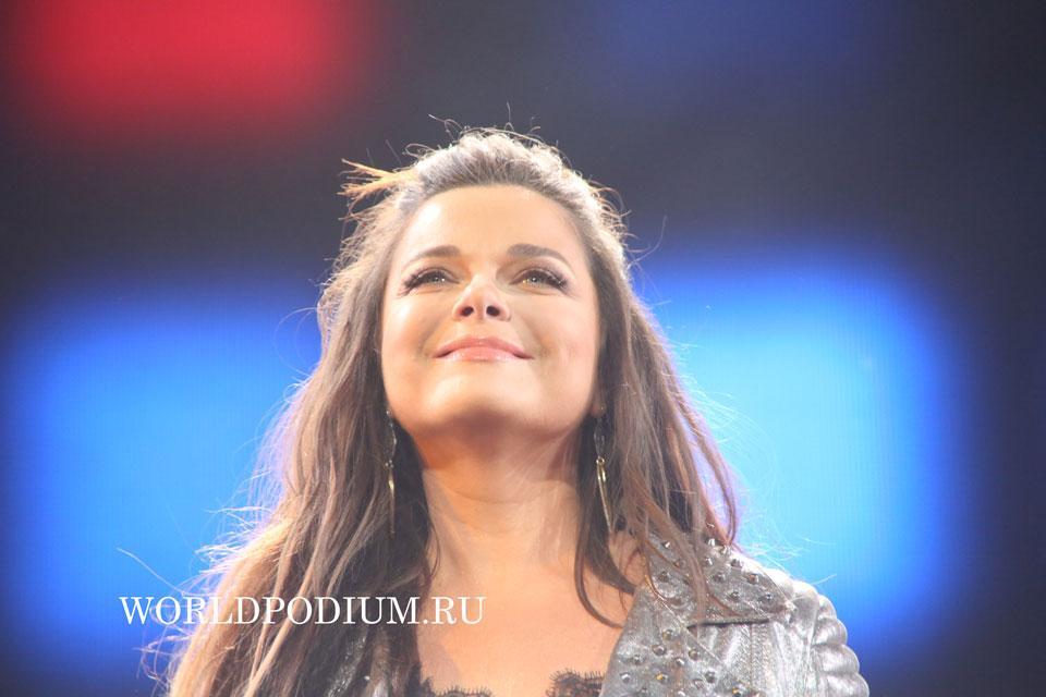 Наташа Королева (Легенды Ретро FM 2015)  Фото он-лайн трансляция