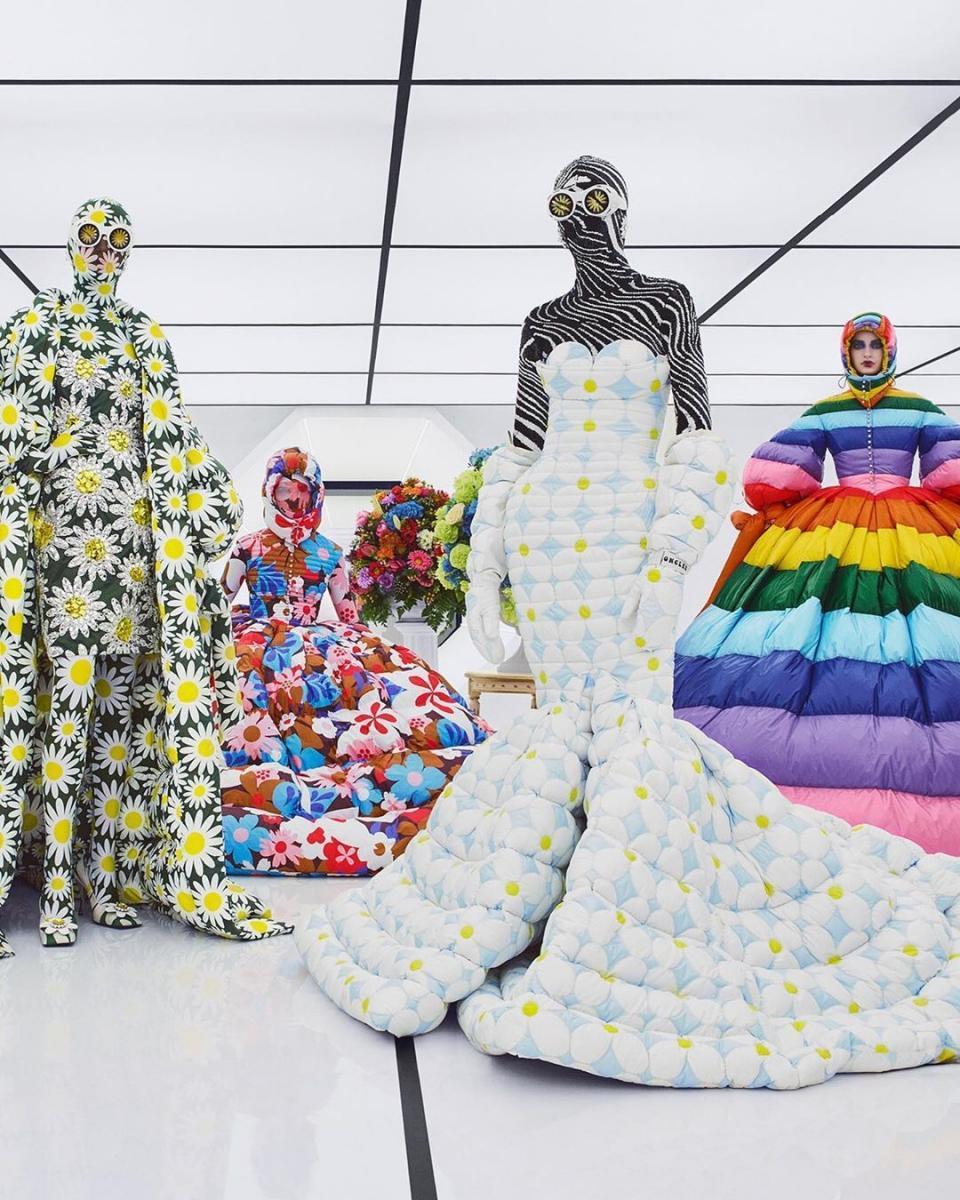 Итальянский бренд Moncler представил кутюрную коллекцию пуховиков и стёганых платьев