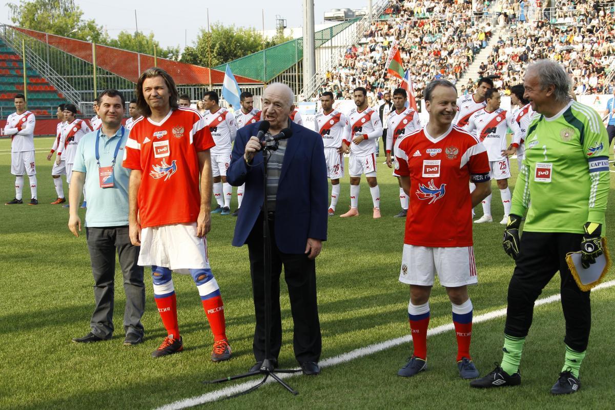 Дворкович, Симонян, Маликов и Давыдов дали старт IX Чемпионату мира среди артистов «Арт-футбол»