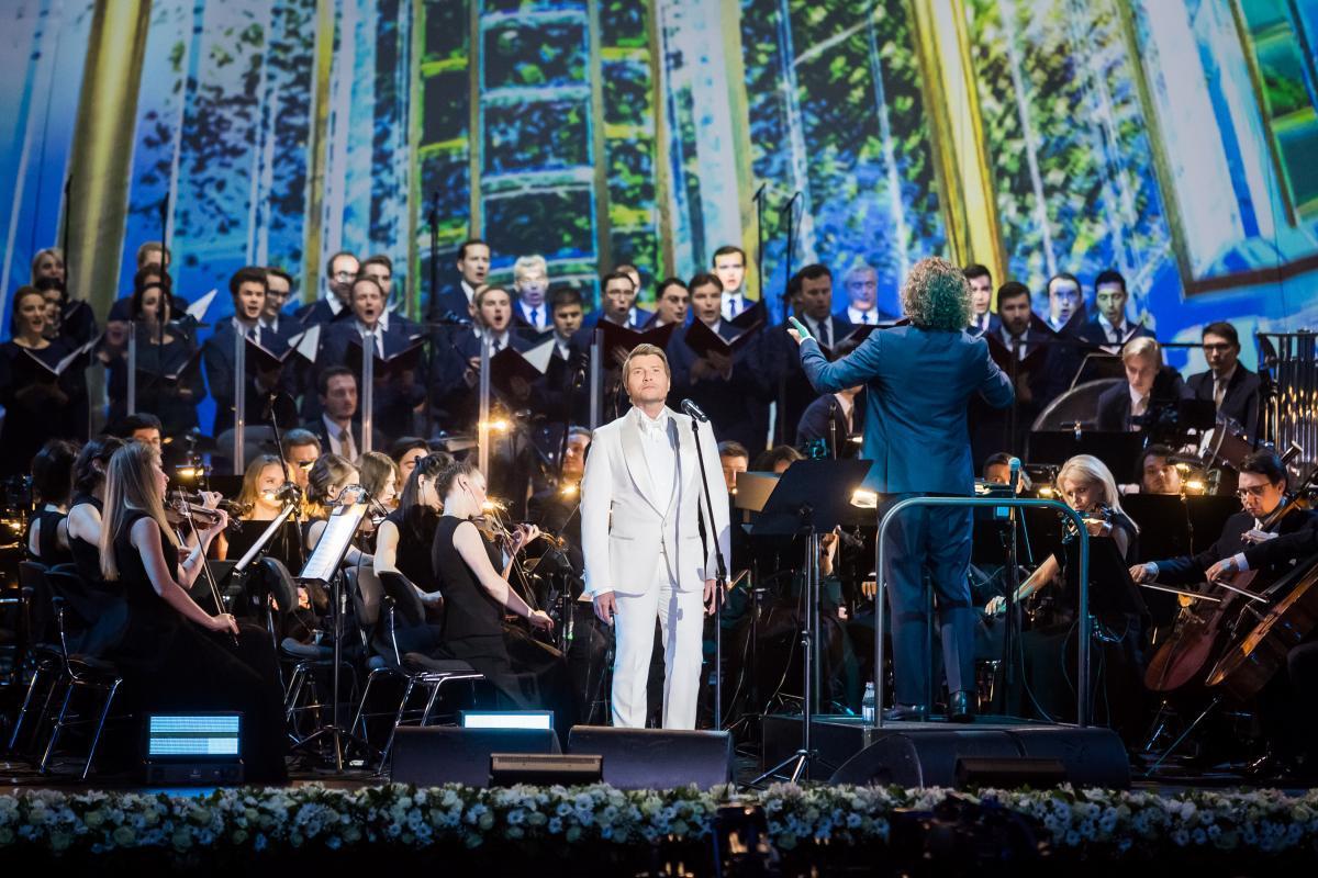 «В этот день торжества, в день особенный этот пусть Господь Вам пошлёт много счастья и света!» -  концерт Николая Баскова «Верую» на телеканале «Россия»