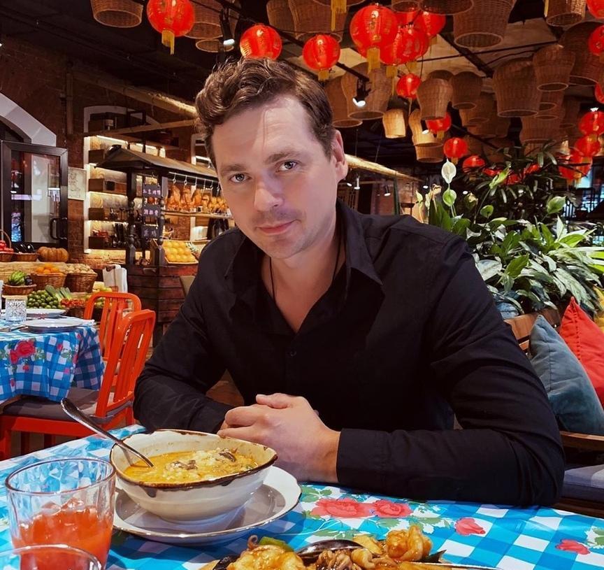 Александр Пашков поделился рецептом фирменного борща