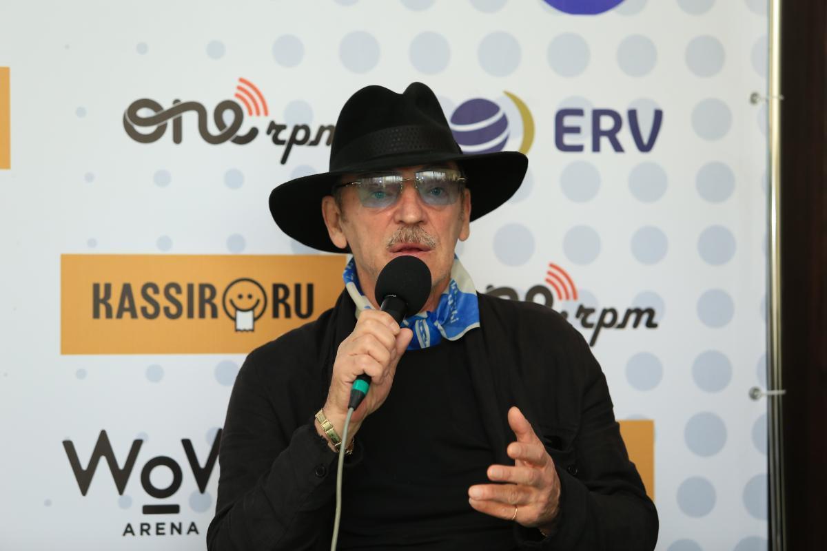Михаил Боярский и Юрий Давыдов рассказали на Colisium-2021 о группе «Зодчие», команде «Старко» и фестивале «Арт-футбол»