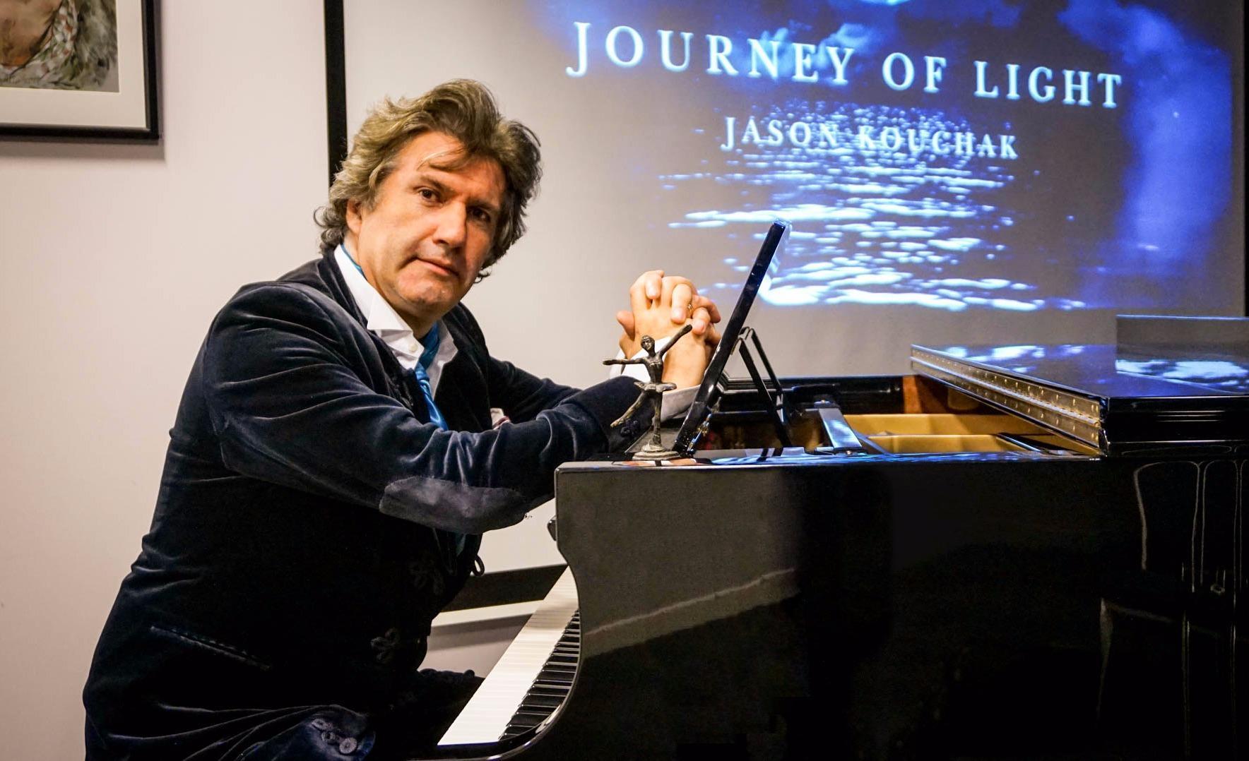 Революционный романс: потомок Александра Колчака представил музыкальную программу к 100-летию революции в Лондоне