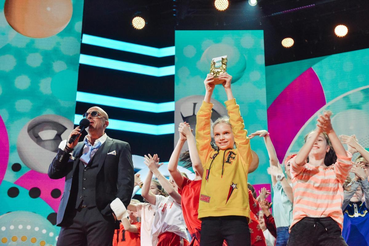 Регина Тодоренко, Настя Ивлеева и Ида Галич поборются за титул кумира подростков