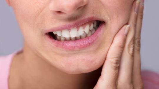 Ученые создали гель, который восстанавливает зубы без пломб