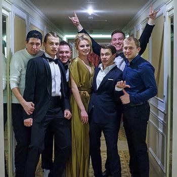 Павел Деревянко снялся в клипе  у группы «Интонация»