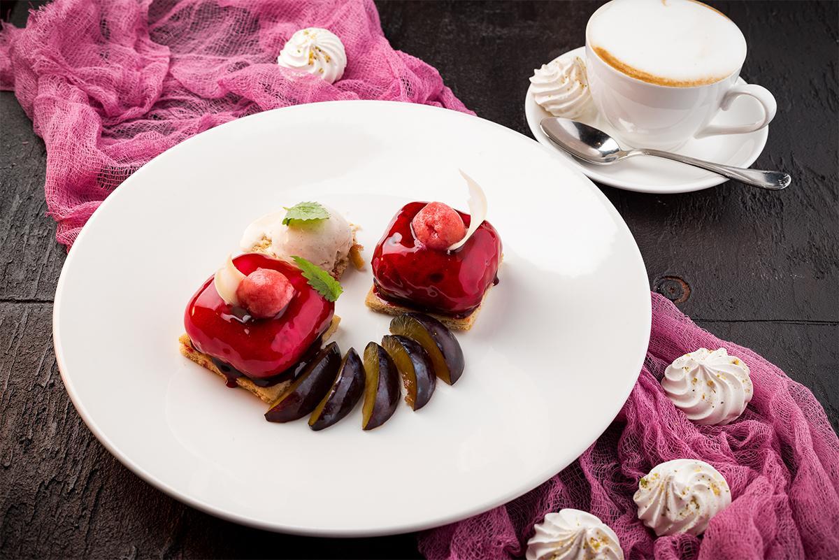 Ягодные и фруктовые десерты в Hills