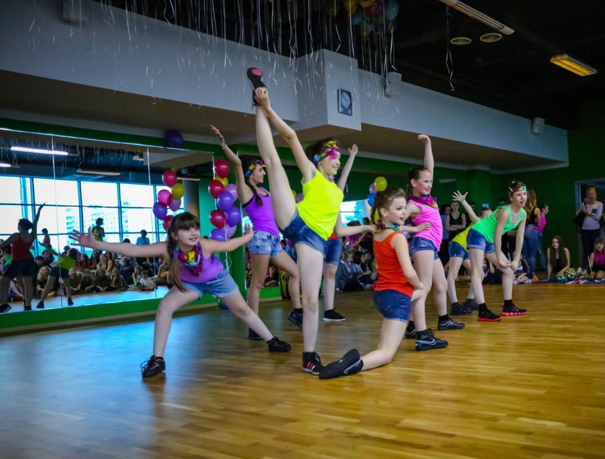 Фитнес для детей: X-Fit приглашает школьников на тренировку