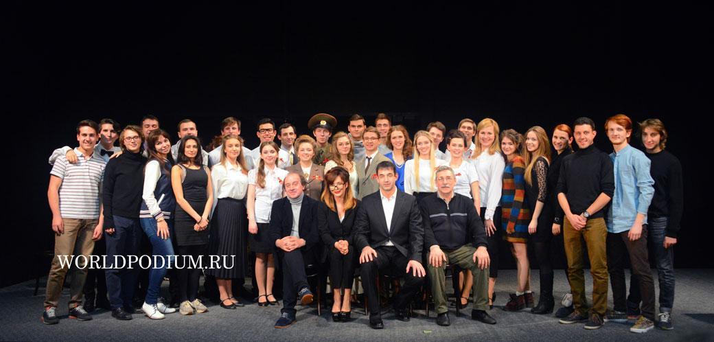 Дмитрий Певцов откроет театр для своих студентов
