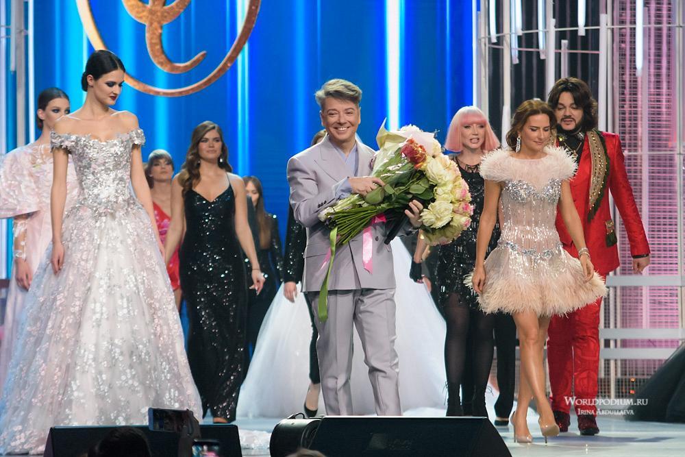 Праздничное шоу Валентина Юдашкина на главной сцене страны