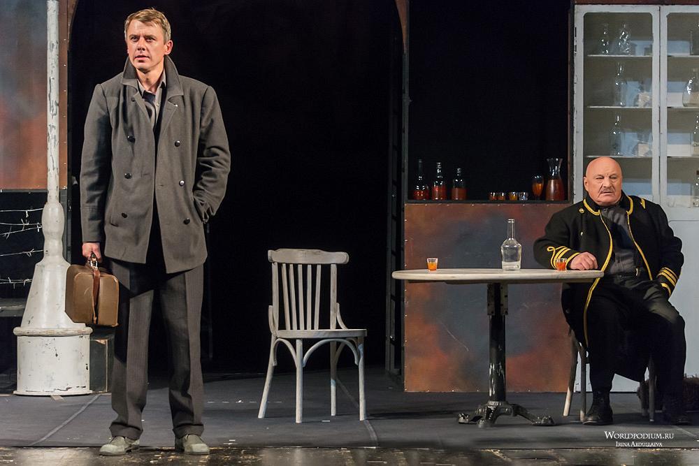 Малый театр в День Победы: актеры читают письма коллег с фронта