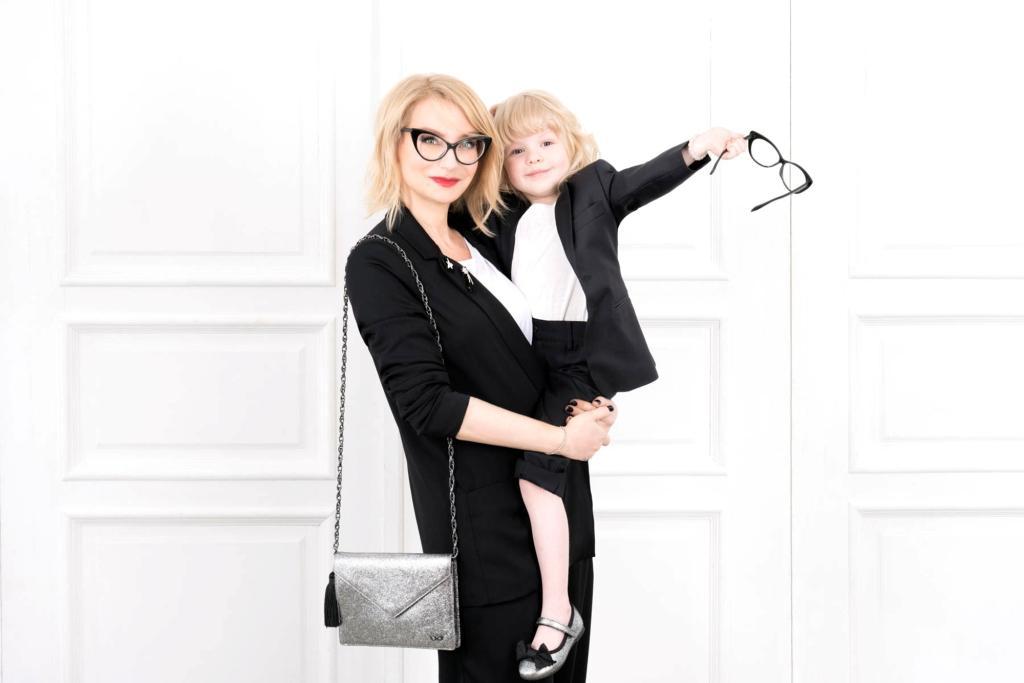 Эвелина Хромченко и «Эконика» представили новогоднюю линию обуви и аксессуаров в рамках новой капсульной коллекции