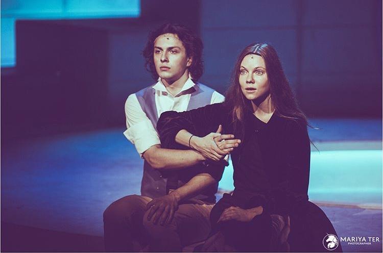 «Любовью не шутят»: комедия о трагедии на сцене театра Романа Виктюка