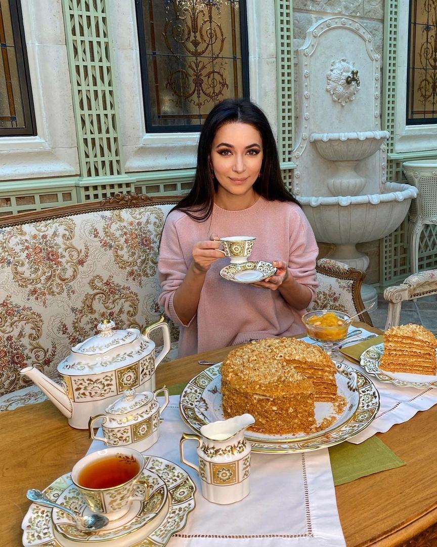 Медовик с кремом «Пломбир» по рецепту Зары