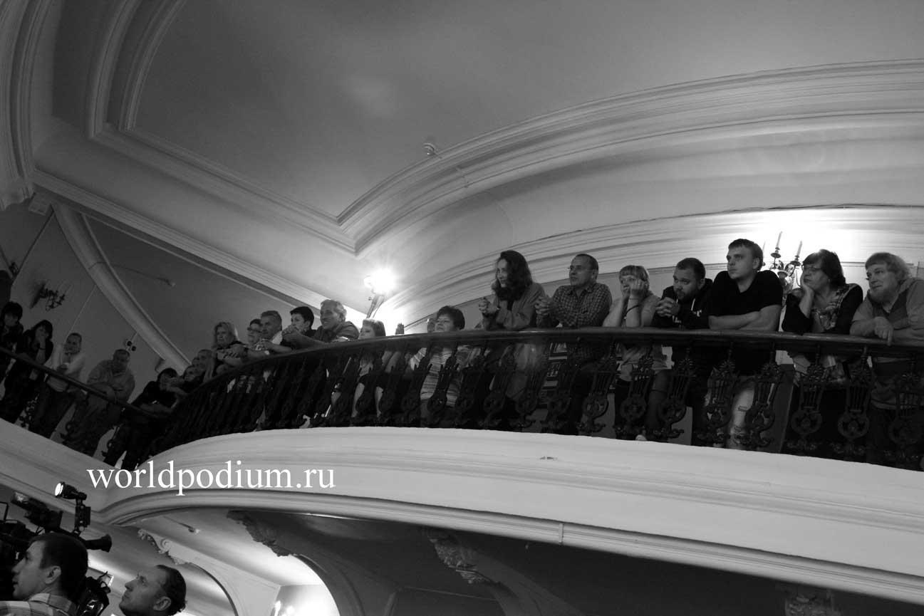 Сбор труппы в «Маяковке»