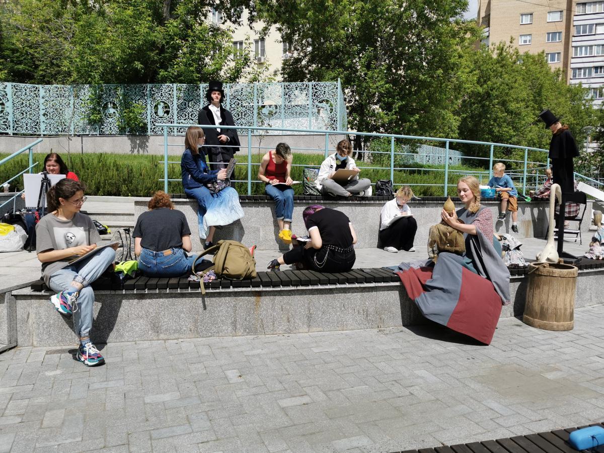 Пушкин в Образцовпарке: В Москве отметили 222-й день рождения классика русской литературы