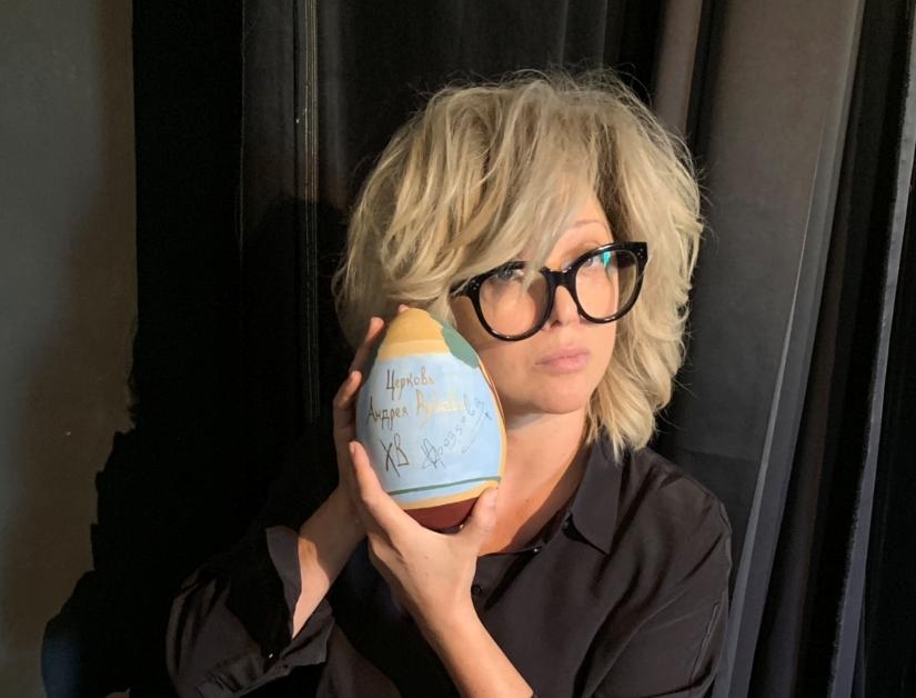 Ольга Дроздова и Дмитрий Дибров приняли участие в росписи яиц для Московского студенческого Пасхального фестиваля