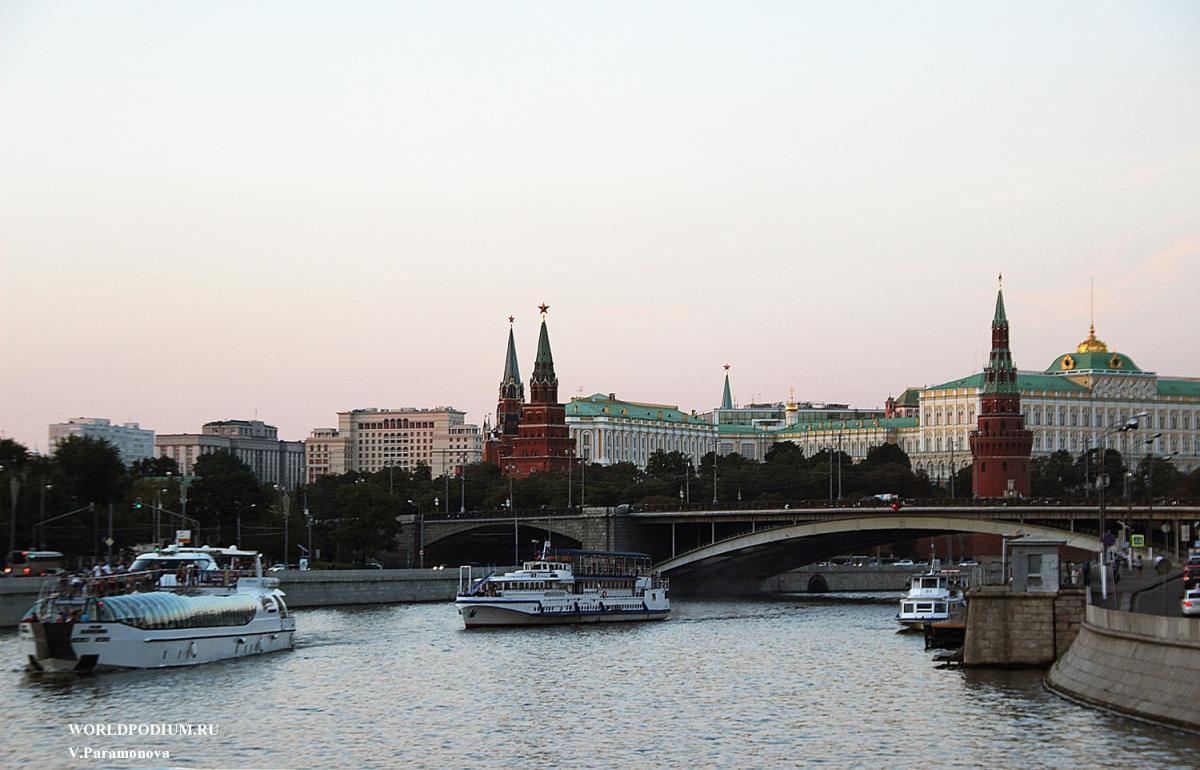 «Москва - по золоту веков проходит летопись времен…»