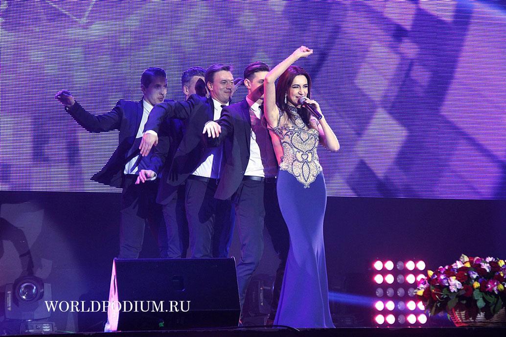 Певица Зара выпустила клип к песне «Этот год любви»
