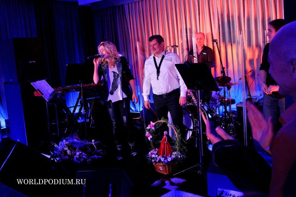 Сольный концерт Елены Максимовой: «Пообещайте мне любовь...»
