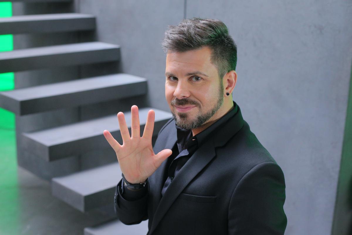 Интарс Бусулис представил первый клип на песню Михаила Гуцериева