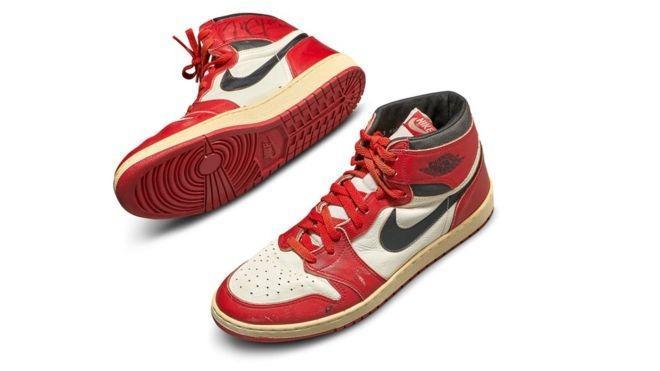 «Кто больше?» -  кроссовки Майкла Джордана проданы за рекордные 560 тысяч долларов