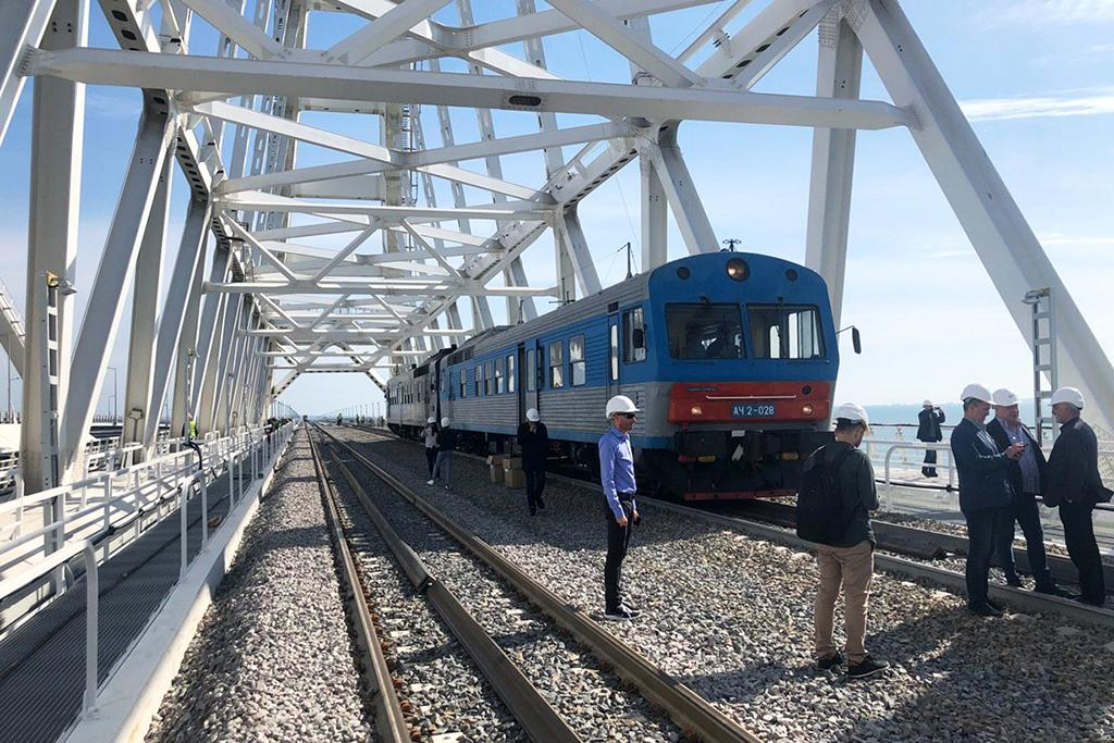 Начались продажи билетов на поезда в Крым