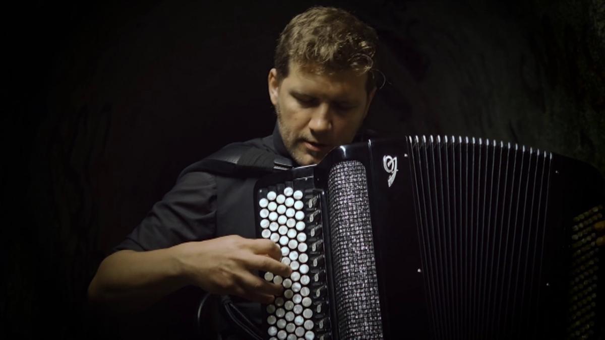 Марио Баткович заново откроет для Россиян аккордеон