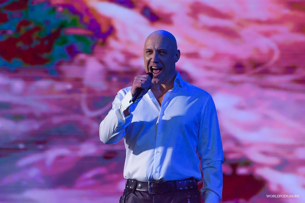 Денис Майданов ко Дню Черноморского Флота России представил премьеру песни и клипа «Чёрное море»