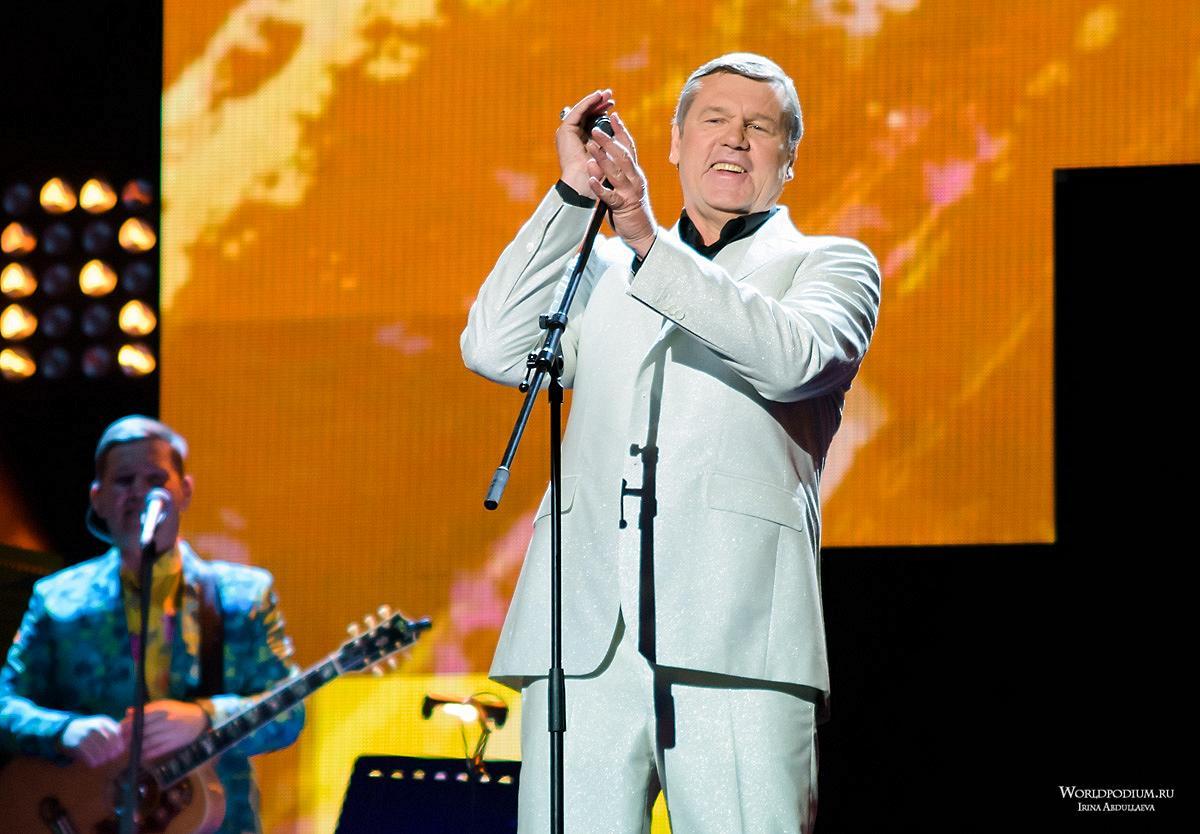 «Извозчику – 35!» Александр Новиков отметит юбилей культовой песни большим концертом в Кремле!