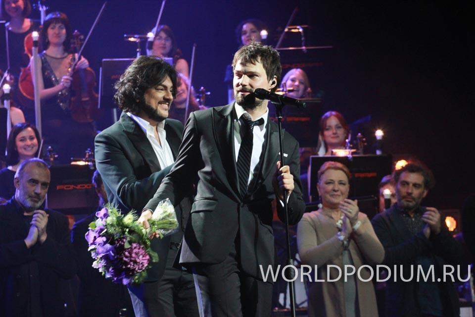 Филипп Киркоров представил клип на песню «О любви» с кадрами из фильма «Экипаж»
