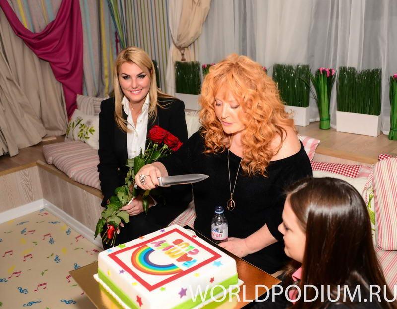 Торжественное открытие новой школы Future Star (Family Club)-проекта Аллы Пугачевой