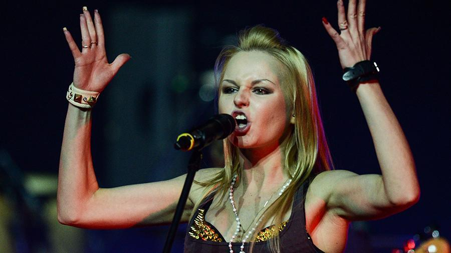 Экс-вокалистку «Ленинграда» Алису Вокс приняли на работу в цирк