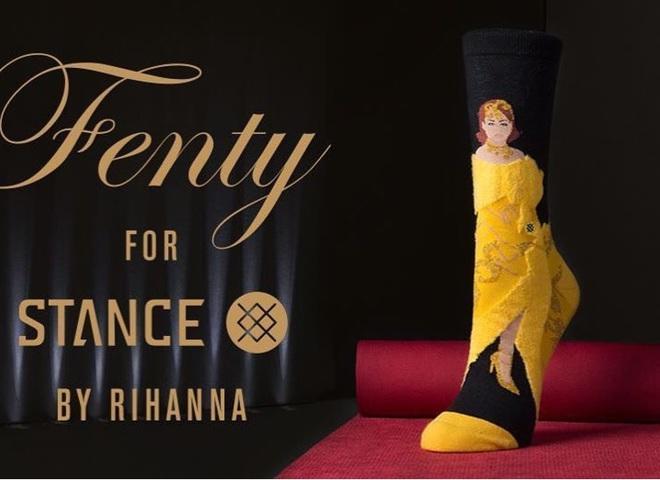 Рианна увековечила свой образ в носках