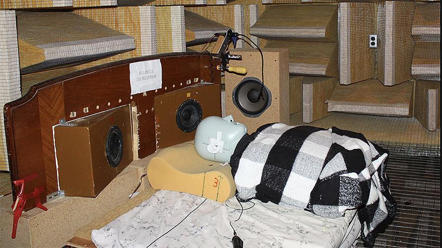 Ученые создали подушку против храпа
