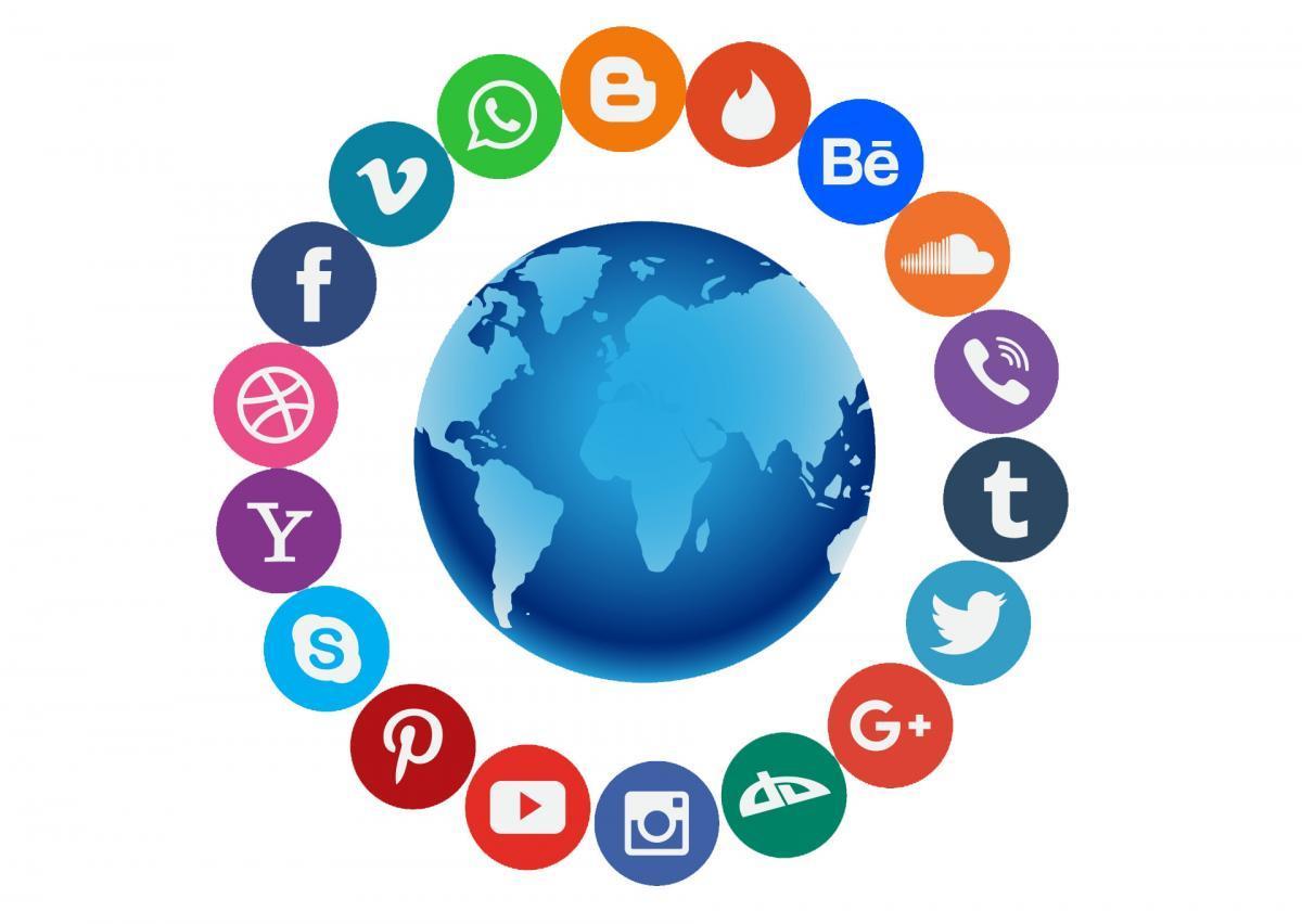 Социальные сети: польза и вред