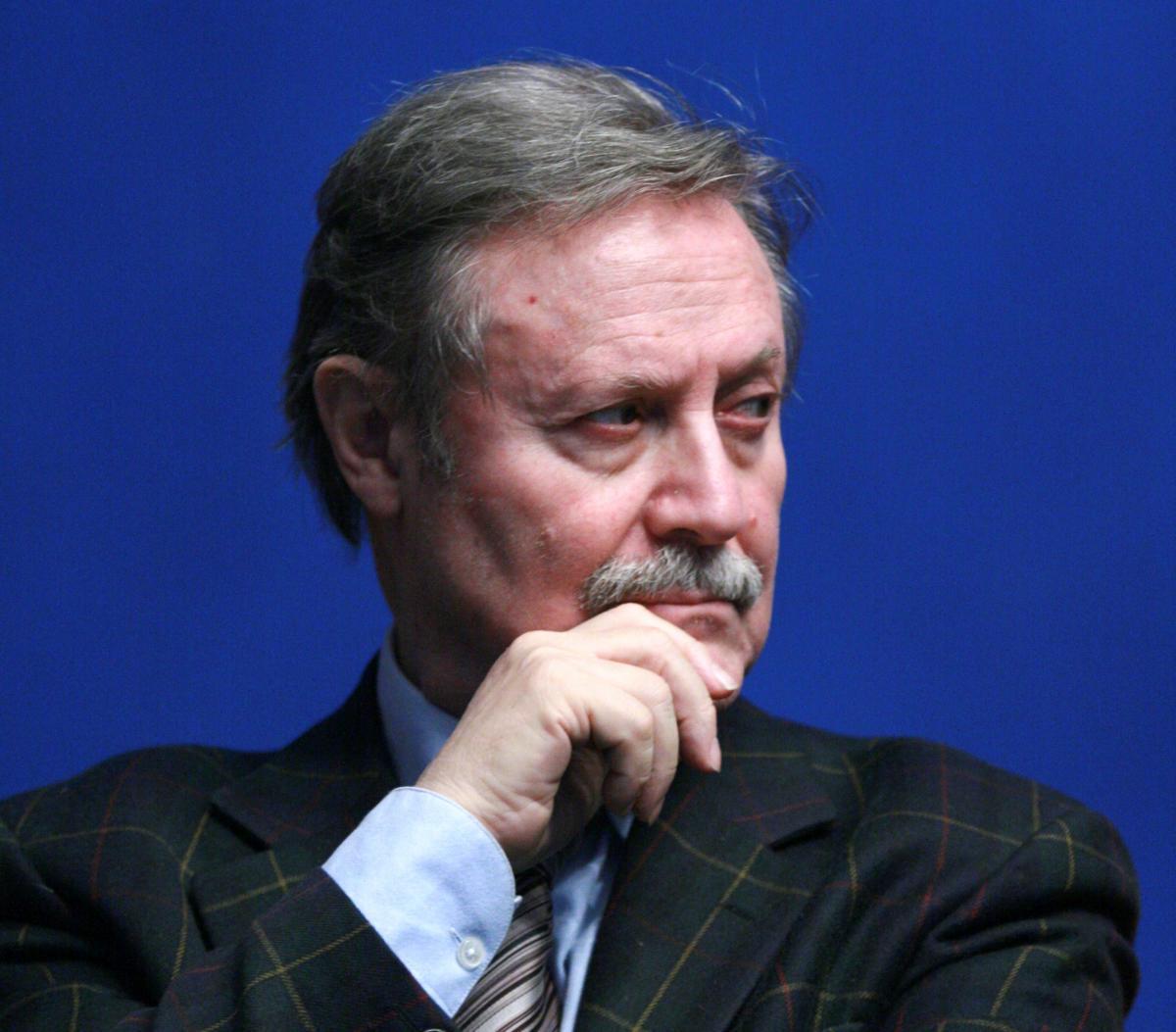 Владимир Мединский продлил контракт с Юрием Соломиным в качестве художественного руководителя Малого театра