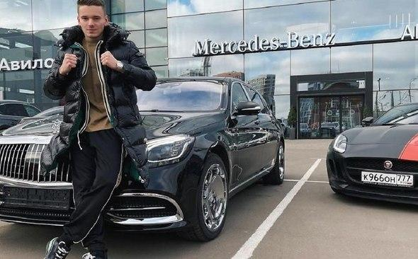 Сын певицы Валерии купил дорогой автомобиль