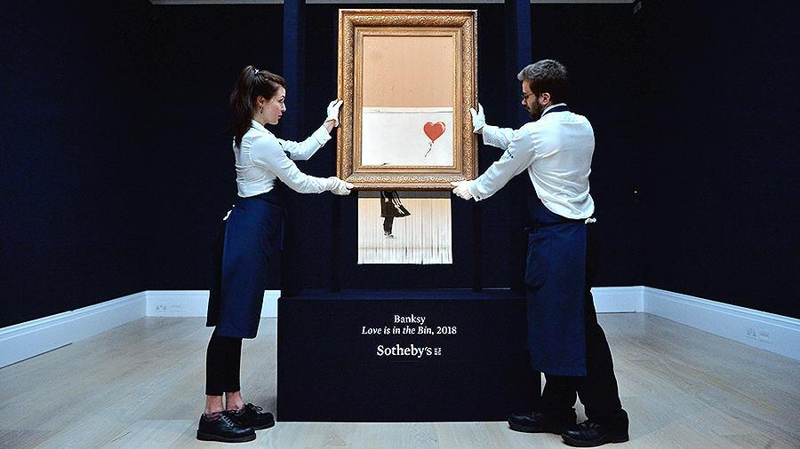 Бэнкси раскрыл изначальный план уничтожения картины «Девочка с шаром»