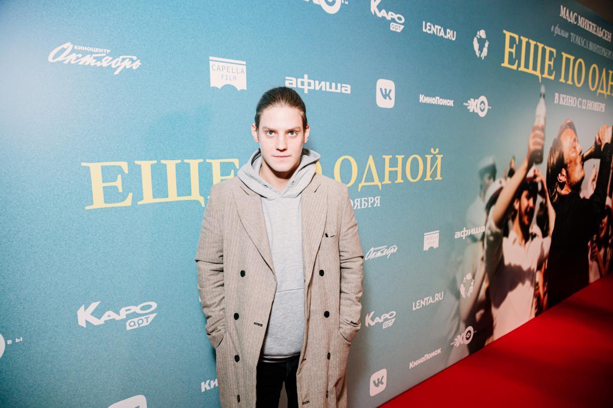 Олеся Судзиловская, Аглая Тарасова, Денис Шведов, Павел Табаков, Нонна Гришаева и другие гости на премьере фильма «Еще по одной»