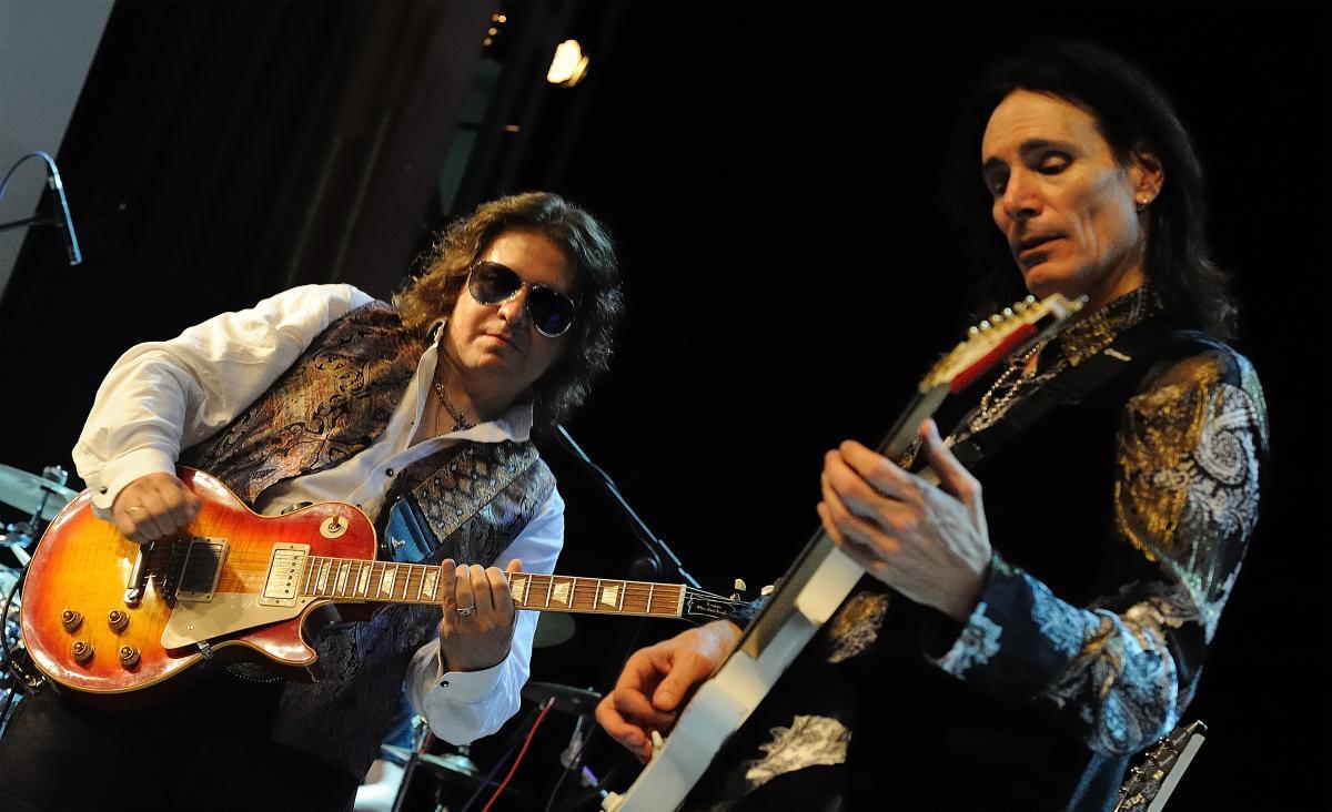 7-кратный лауреат «Грэмми» и басист Whitesnake выступят на «Мире Гитары»