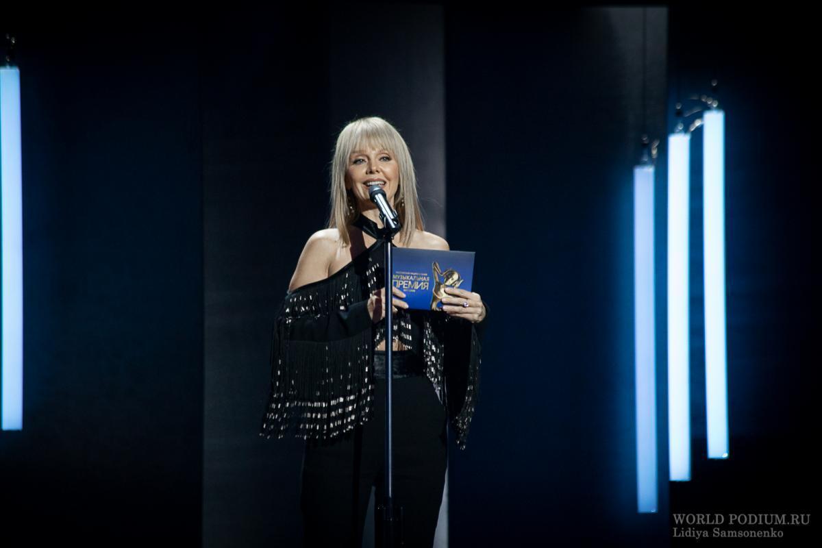 Певица Валерия ответила высмеявшему ее Шнурову