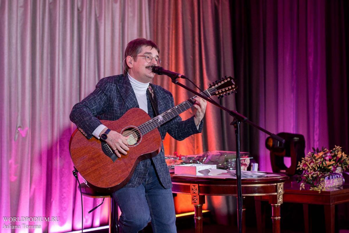 Виктор Третьяков в Кремле с сольным концертом «Осенний романс»