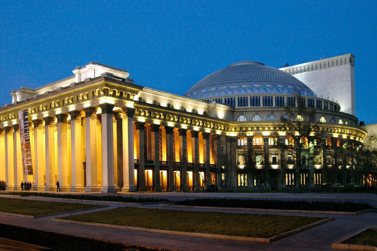Представлена экскурсия по Новосибирскому театру оперы и балета